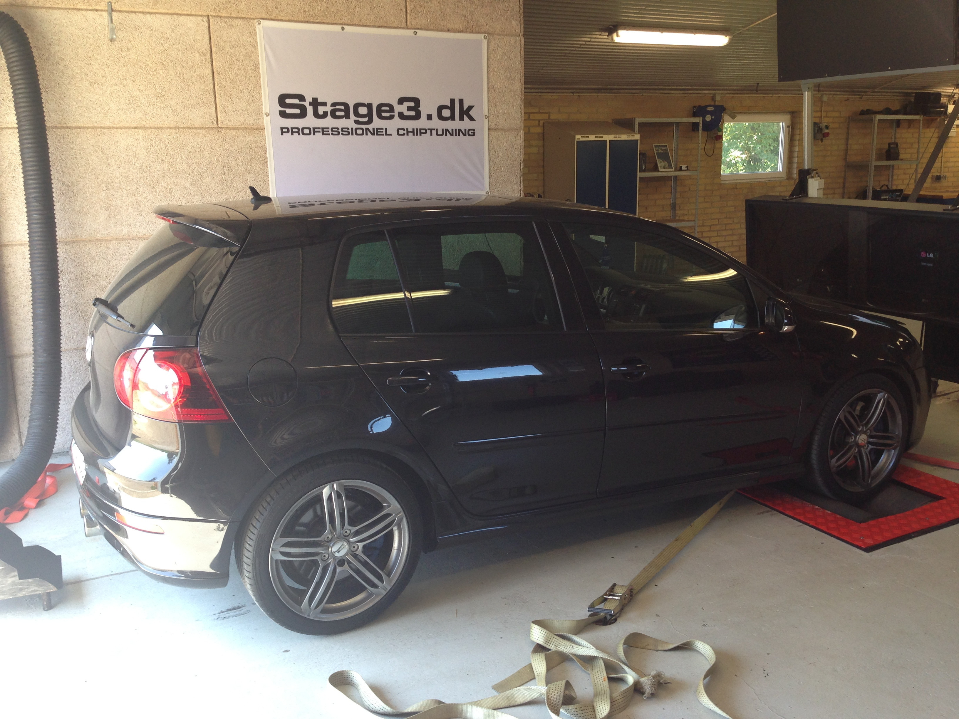 VW Golf 5 R32 4-Motion 250hk