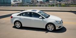 2014-chevrolet-cruze-model-overview-diesel