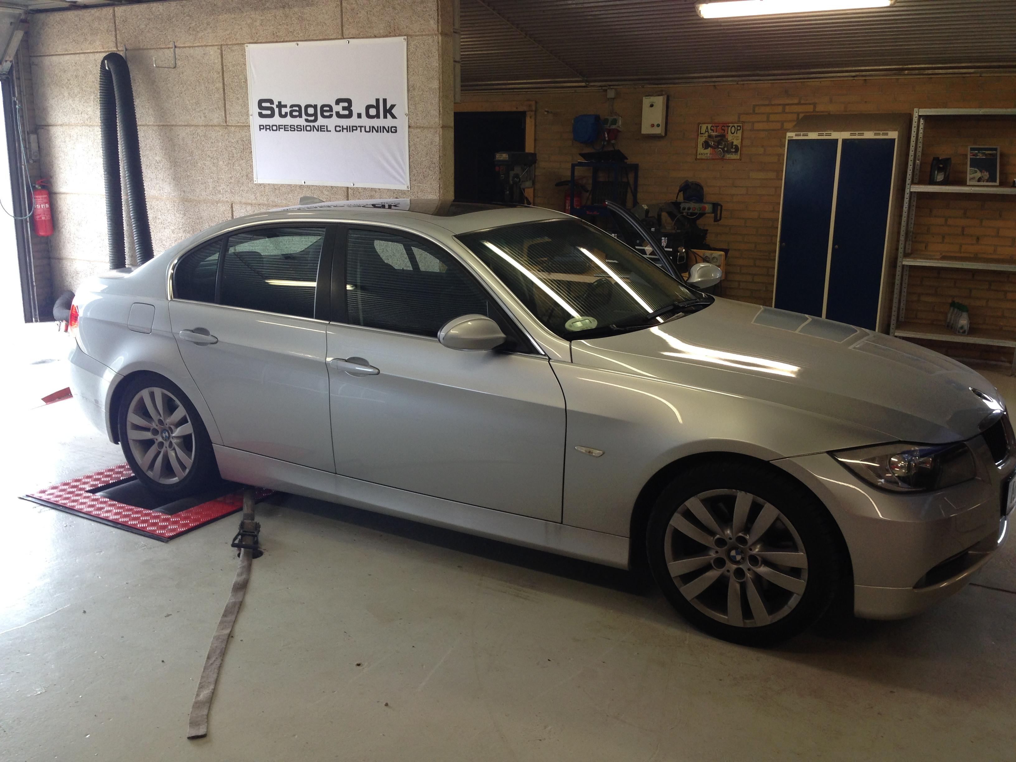 BMW 330d (3)