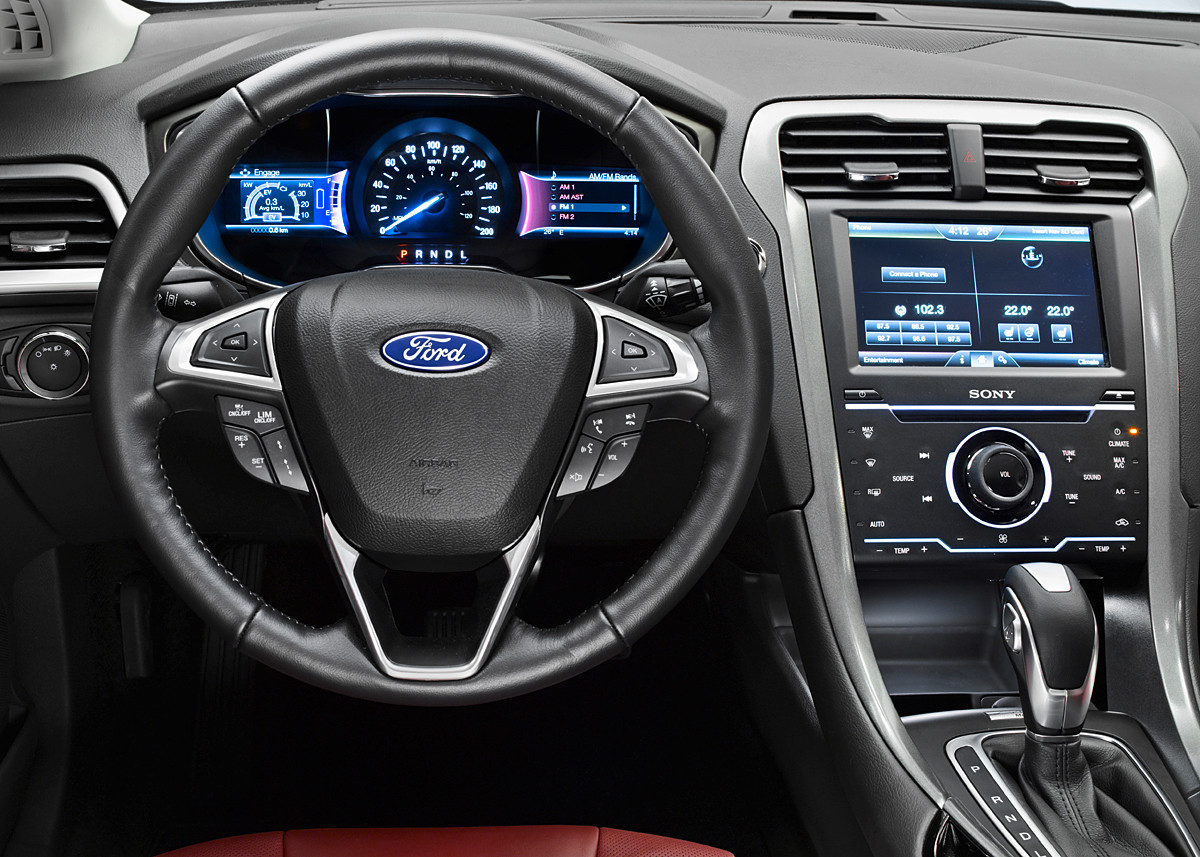 Ford-Mondeo-2012-instrument