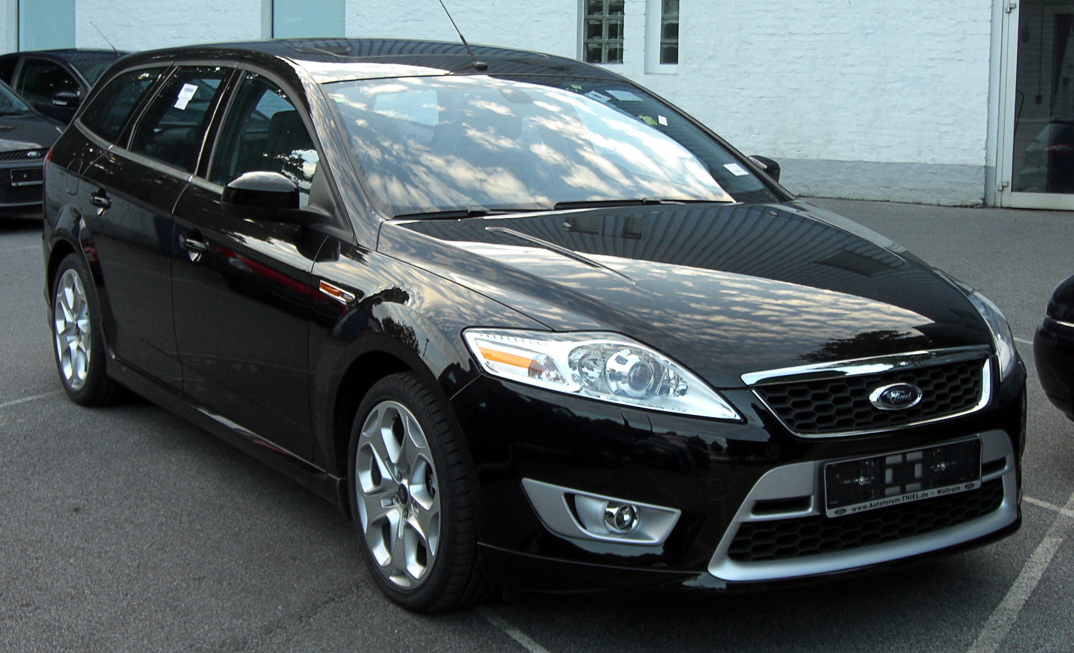 Ford_Mondeo_Turnier_2.5T_front