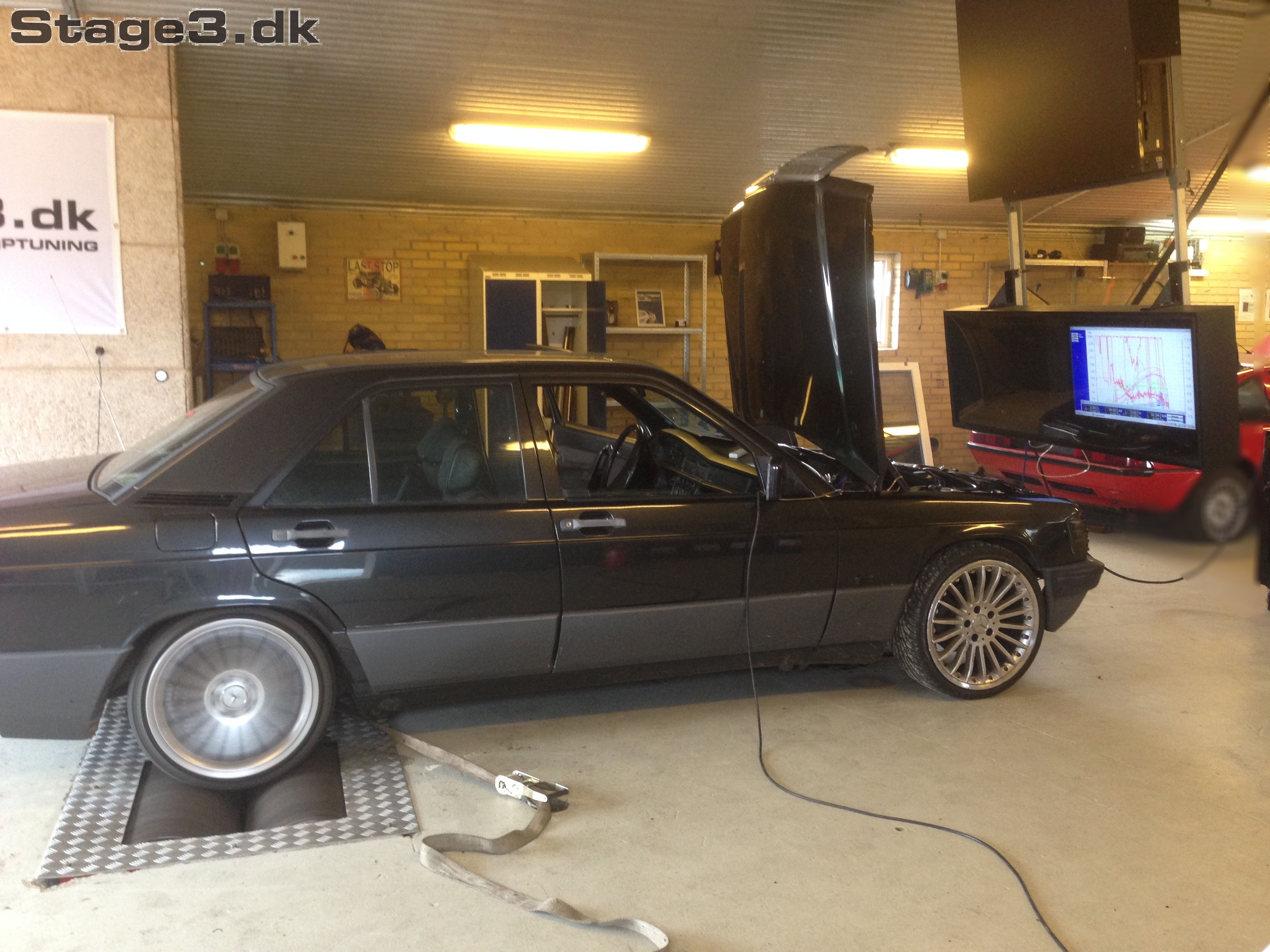 Mercedes E190 Turbo Megasquirt (1)