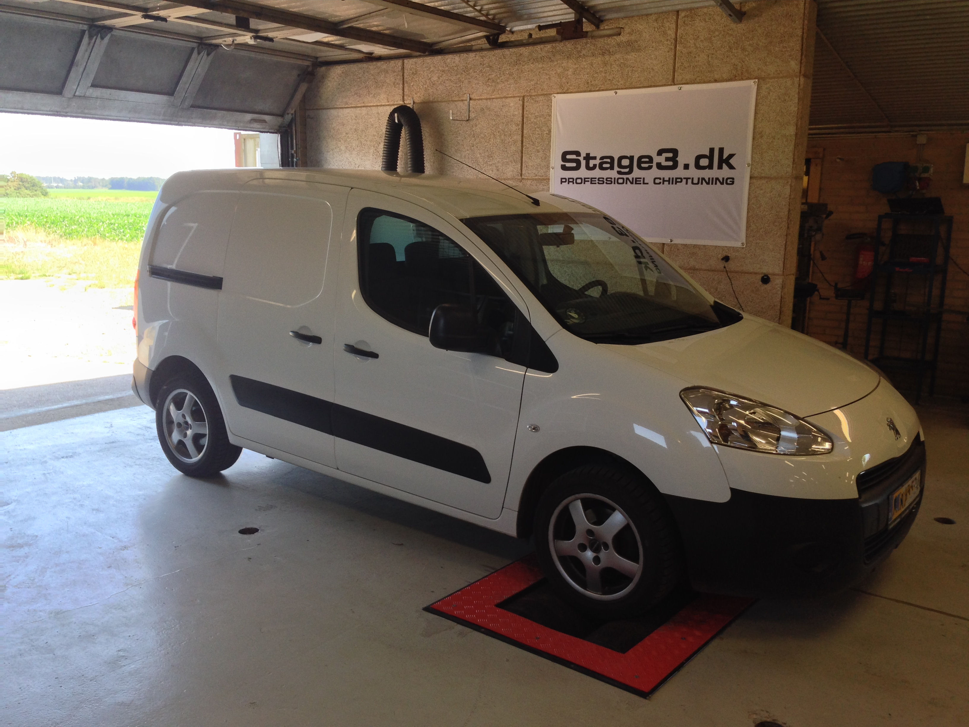 Peugeot Partner EHDI (6)