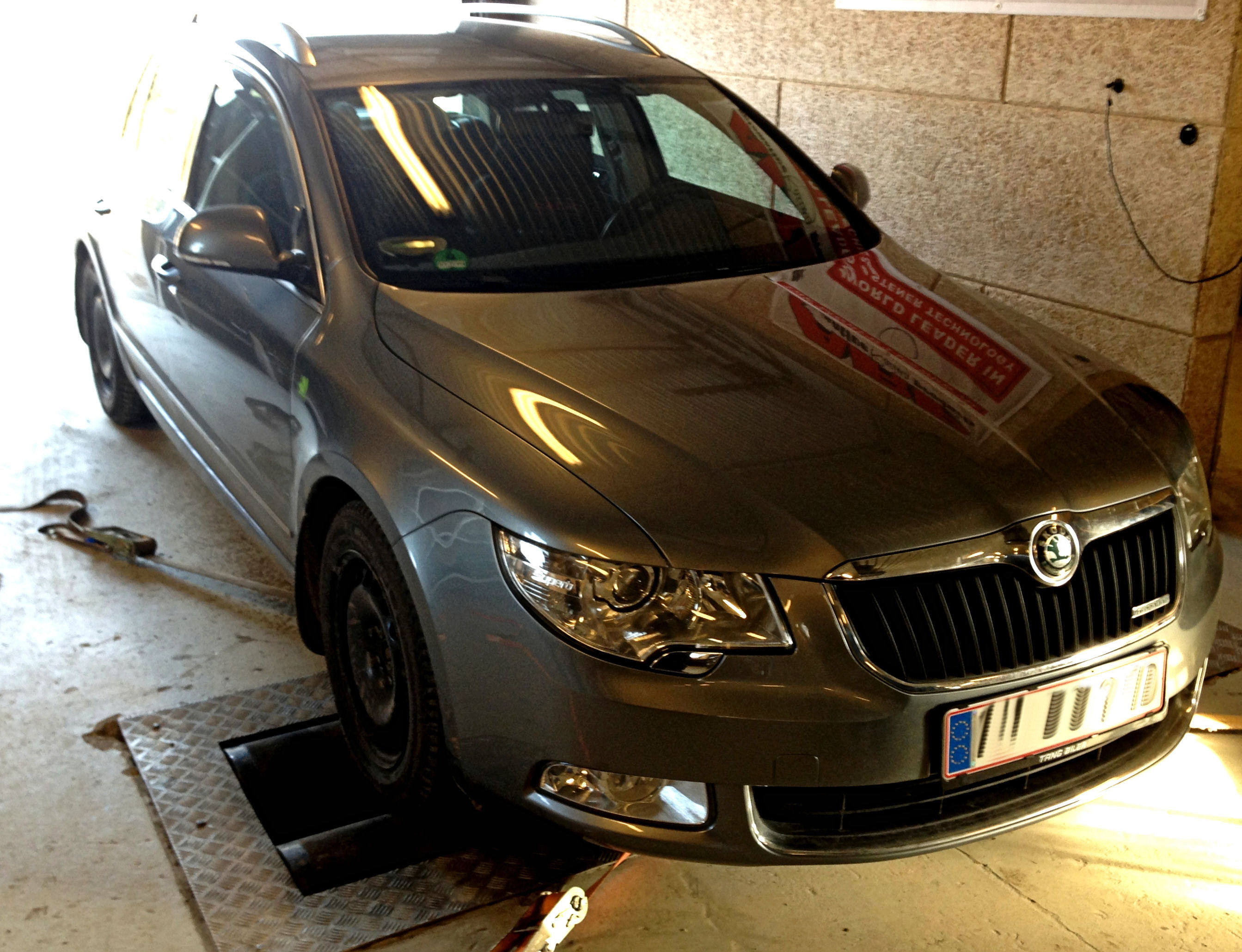 Skoda Superb 2012 1.6TDI  (3)
